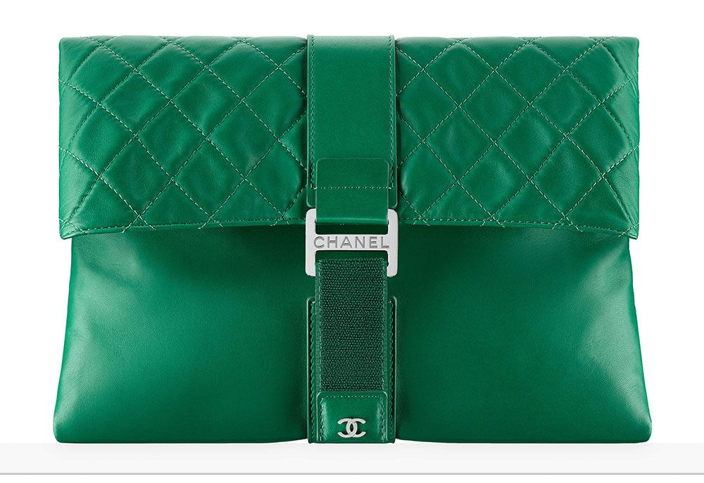 Chanel-Clutch-Green-2800