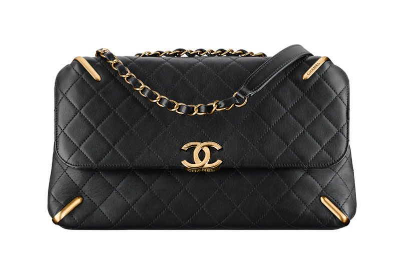 Chanel-Flap-Bag-Black-5000