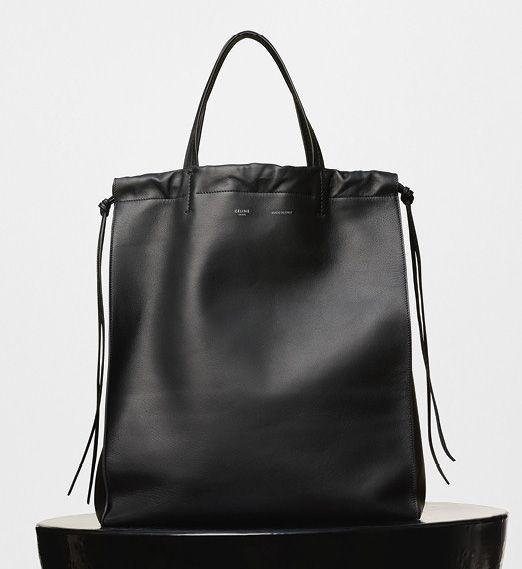 Celine - Vertical Coulisse Shoulder Bag Black 2200$