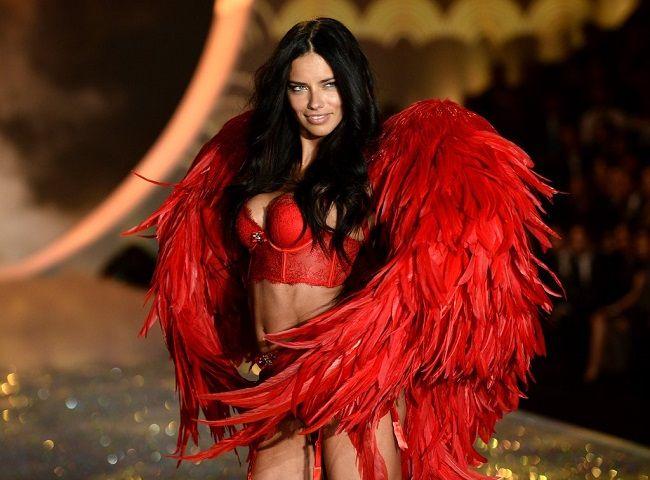 Adriana-Lima-Sexiest-Victoria-Secret-Moments