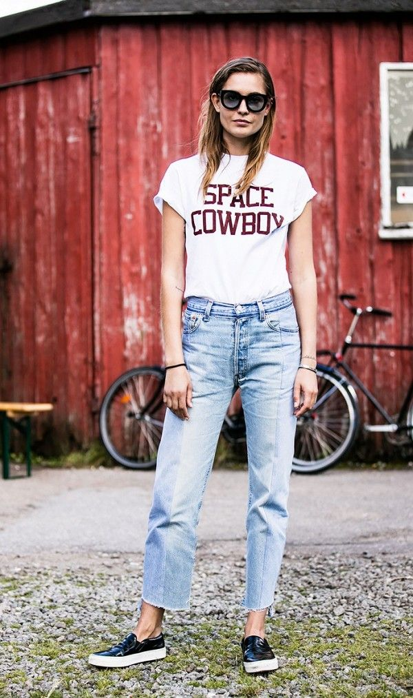 how-the-most-stylish-women-pull-off-high-waisted-jeans-1870245-1471297372_600x0c
