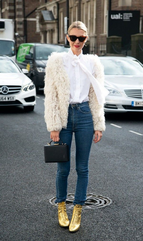 how-the-most-stylish-women-pull-off-high-waisted-jeans-1870246-1471297373_600x0c