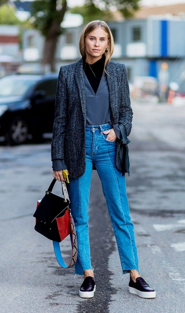 how-the-most-stylish-women-pull-off-high-waisted-jeans-1870249-1471297374_600x0c