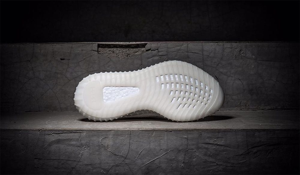 adidas-yeezy-boost-350-v3-all-white-detail-3_2