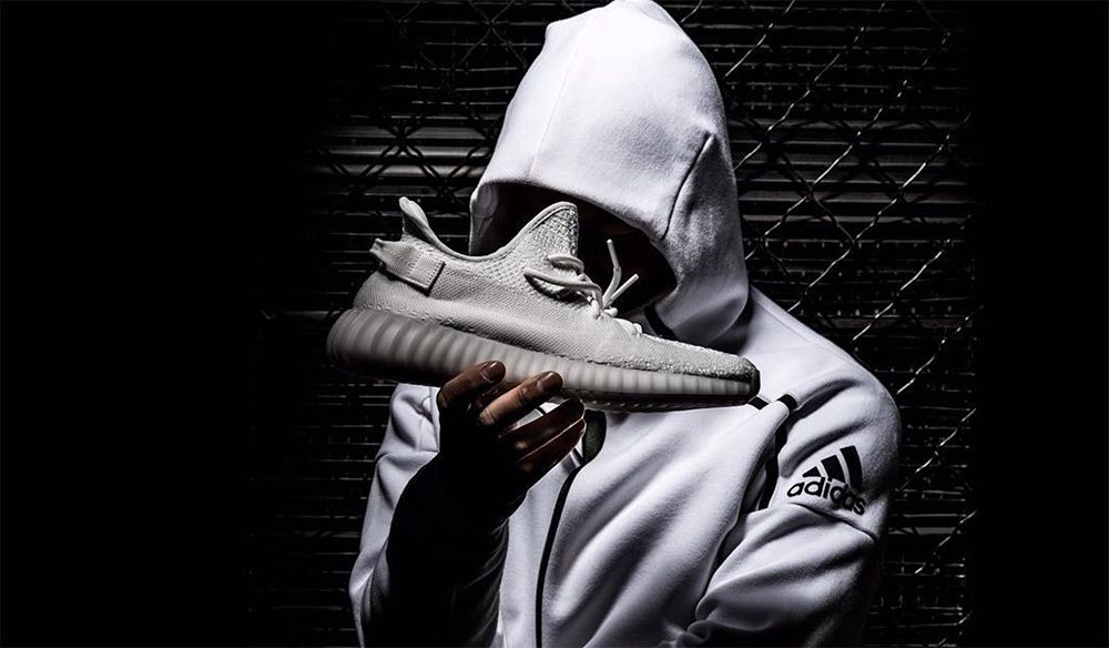 adidas-yeezy-boost-350-v3-all-white-detail-5_4