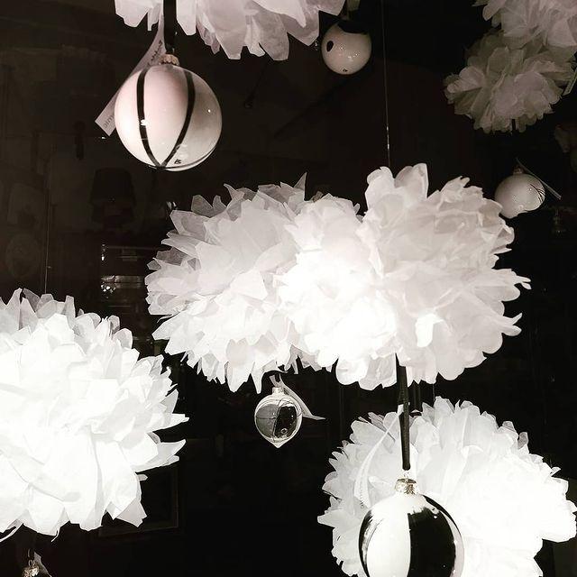 Mala Galerija Bruketa božićni ukrasi