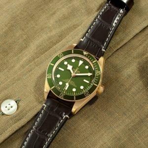 new-tudor-black-bay-fifty-eight-18k-M79018V-0001-mamic-1970-2