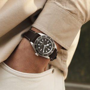 new-tudor-black-bay-fifty-eight-M79010SG-0001-mamic-1970-3